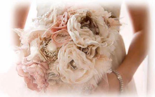 Modelo de Buquê de Broche Tendência das Noivas 2013 – Fotos2