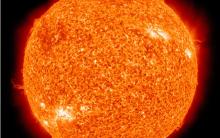 Luz Própria Tem O Sol – É A Estrela Fonte de Luz De Todos Nós. Erupção Solar.