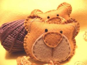 lembrancinha urso 300x225 Ideias de Lembrancinhas Para Maternidade   Modelos e Passo a Passo