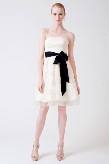 vestido-curto-creme-faixa