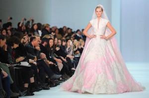 vestidos-de-noivas-coloridos-rosa e branco