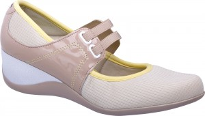 linha-nice-piccadilly-sapatenis-creme-marrom