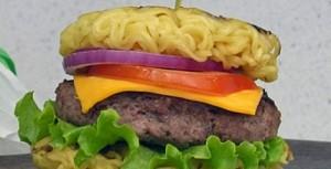 sanduiche-hamburguer-miojo
