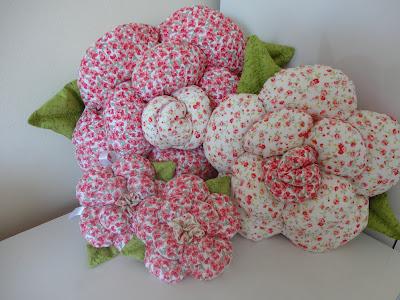 almofada-flor-conjunto-estampas-vermelho