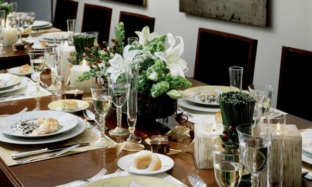 mesa-natal-flores-brancas