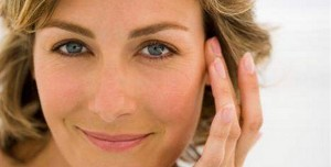 Como Cuidar da Pele e Reduzir o Envelhecimento Após os 40 Anos – Cuidados