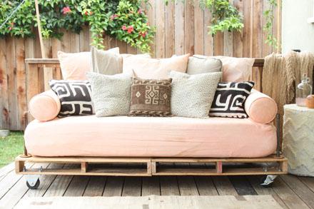 pallets-sofa