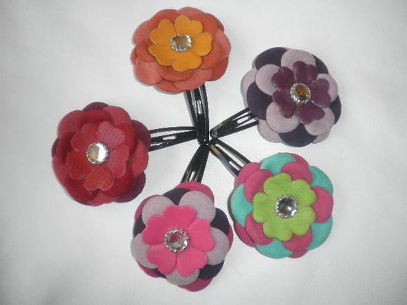 tic tac flores em couro p cabelo Moda Chique Flores no Cabelo   Tendência, Fotos e Como Usar