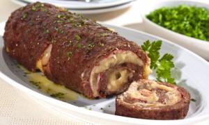 Rocambole Feito de Carne Moída com Recheio – Ingredientes e Como Fazer