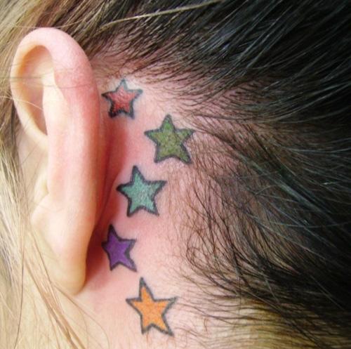 tatuagem-estrelas-coloridas