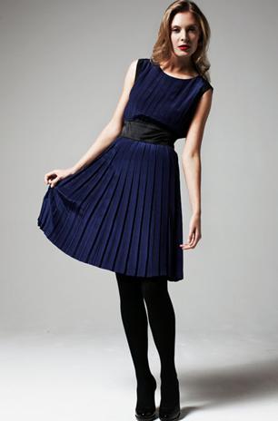 vestido-azul-curto-plissado