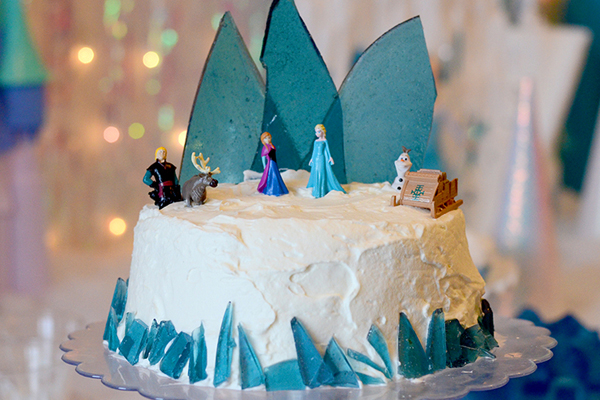 decoracao-frozen-bolo-chantilly