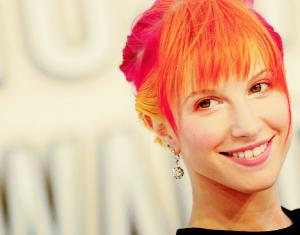 cabelo-colorido-haley