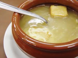 comida-francesa-sopa-de-cebola