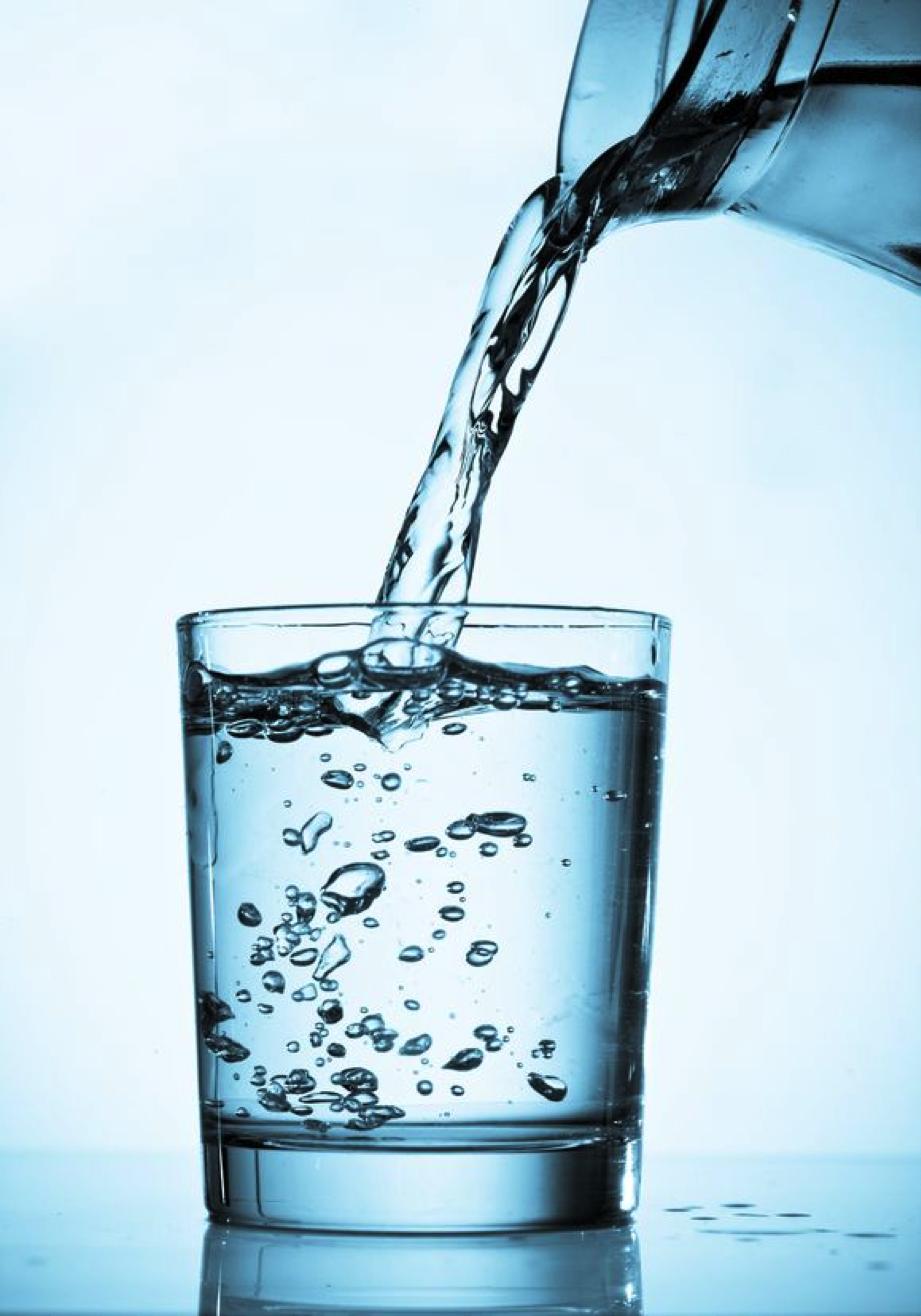 Agua-Alcalina-O-Que-é-Como-Fazer-Dietaaa