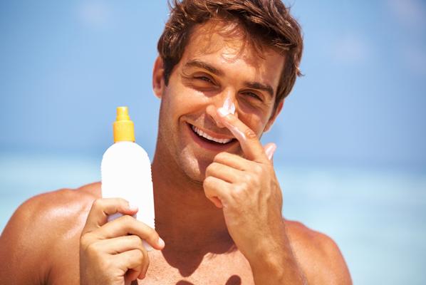 Resultado de imagem para Cuidados com a pele masculina no verão