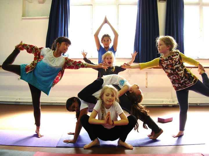 yoga-infantil-juntos