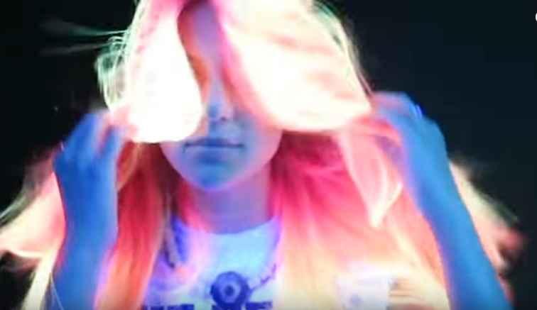 cabelos-fenix-neon-nova-tintura