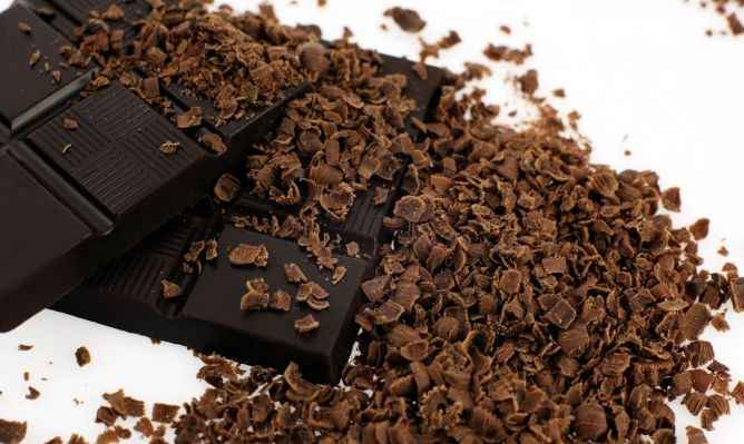 chocolate-negro-beneficios-a-saude