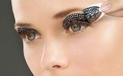 Maquiagem Adesiva – Como Usar
